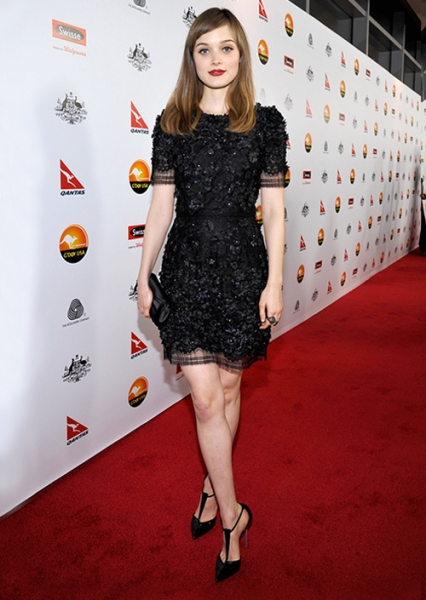celeb_bella-heathcote_big_12-01-2013
