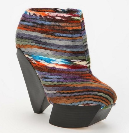 ENSO Delilah Rainbow-Stripe Woolen Ankle Boot - Urban Outfitters 253€