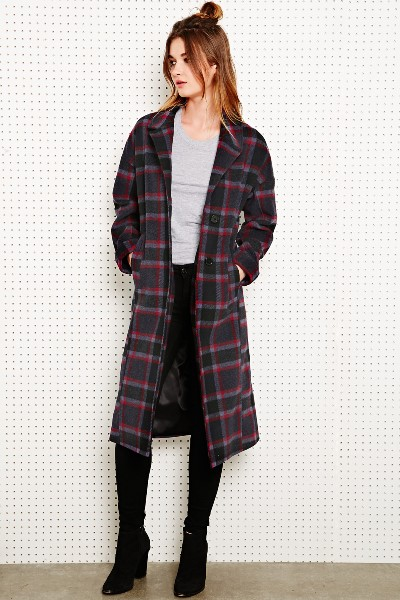 UO - Silence + Noise Long Duster Coat in Check 145€