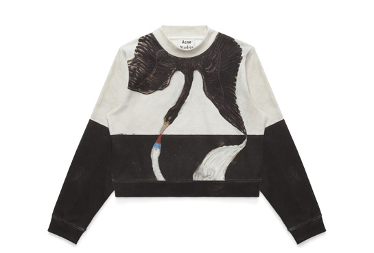 Sweat-shirt Bird, collection hommage à Hilma af Klint par Acne Studios photo par margaux Krehl